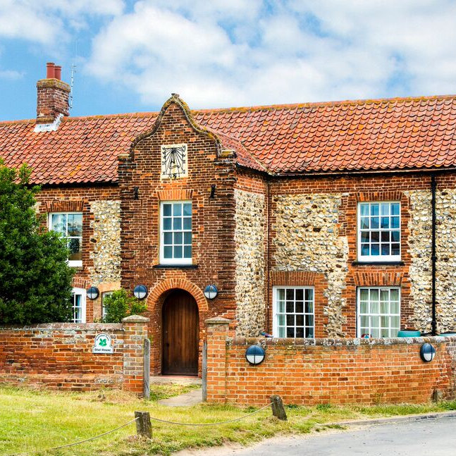 Brancaster Activity Centre - Offering fantastic self-catering accommodation for 22-48 people in nine dormitory-style en-suite bedrooms. Located within the Norfolk Coast AONB overlooking Brancaster Harbour, the centre is a great place for families, friends & groups.