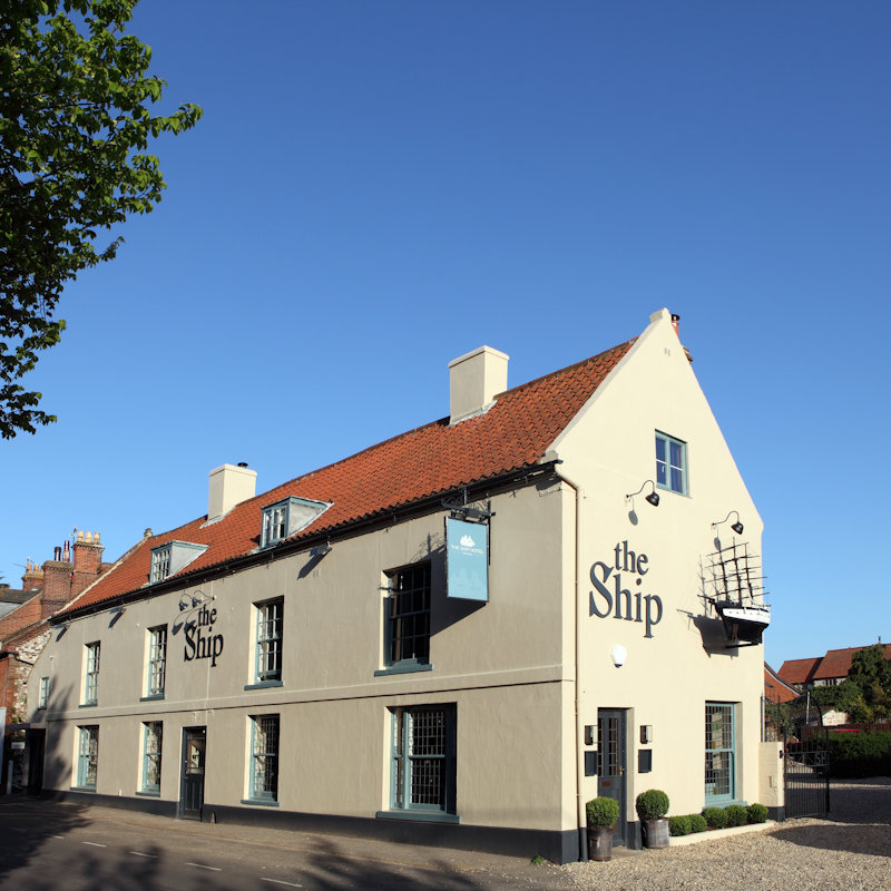 The Ship Hotel - Situated at the top of Beach Road, a short walk from the sandy beach and golf course. The Ship Hotel specialises in local produce & locally brewed ale.  We have 9 en-suite bedrooms individually decorated. Dogs welcome.